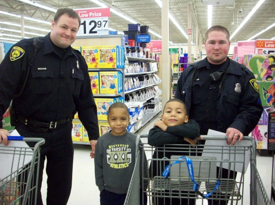 Shop with a cop - single mom christmas help